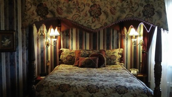 Albemarle Inn: Juliets Chamber