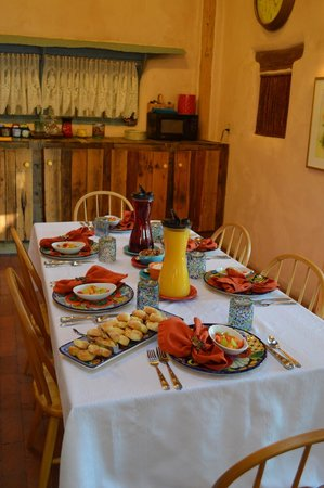 La Posada de Taos B&B: Breakfast