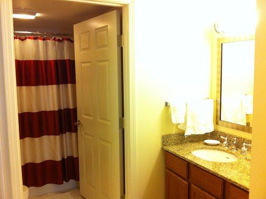 Residence Inn Arlington Rosslyn : バスルーム