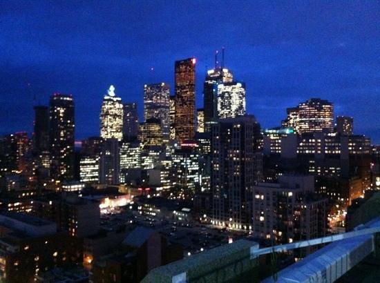 Grand Hotel Toronto: toronto skyline