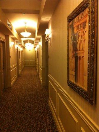 Grand Hotel Toronto: hotel lobby