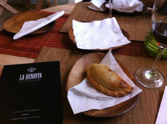 La Bendita Cafe: Empanadas deliciosas...