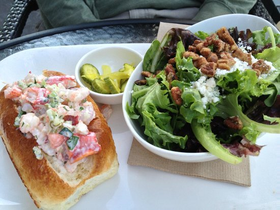 Earl's Restaurant: Lobster and Prawn Roll with Mixed Greens Salad!