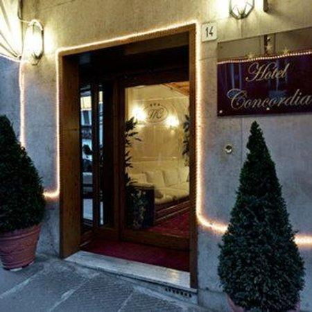 โรงแรมคอนคอร์เดีย: Entrance