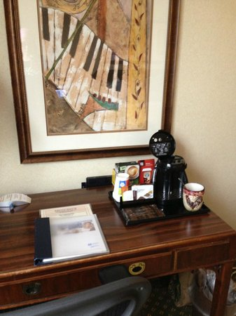 Wyndham Indianapolis West: desk