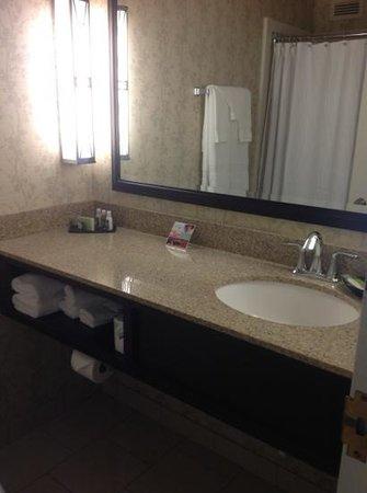 The Inn at the Peak: bathroom seems clean