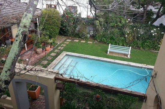 10 Alexander: Pool area
