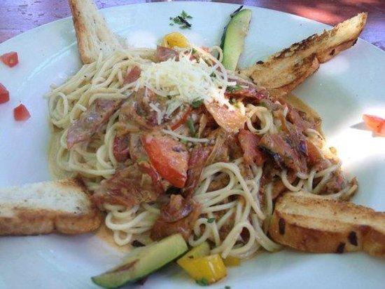 Doce Lunas: angel hair pasta dish