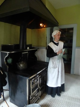 Rock Ledge Ranch Historic Site: The general's kitchen