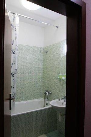 Hotel Jelen: Bathroom