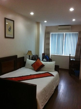 Hanoi Serendipity Hotel : Room 202 - Deluxe Double or Twin with City View