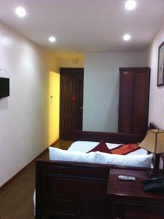 Hanoi Serendipity Hotel: Room 202 - Deluxe Double or Twin with City View