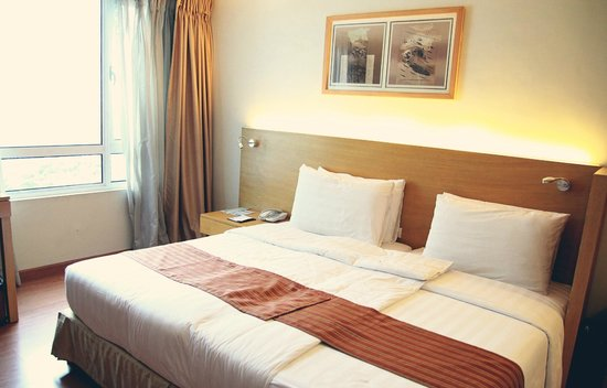 One Pacific Place Serviced Residences: our comfy bed