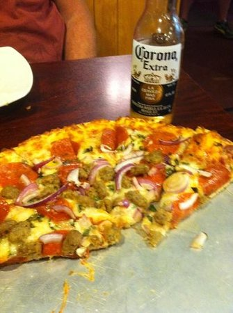 PJ's Cafe and Pizzeria: Eureka pizza = great!
