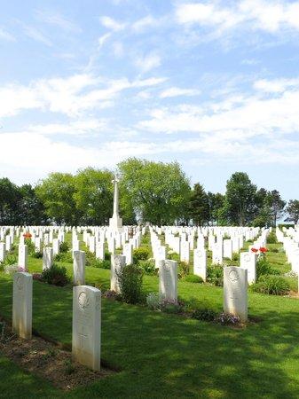 Beny-sur-Mer Canadian War Cemetery : Le cimetière canadien