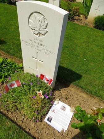Beny-sur-Mer Canadian War Cemetery : Une marque de gratitude et de reconnaissance
