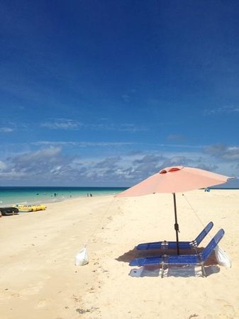Yonaha Maehama Beach: 前浜ビーチ&パラソル