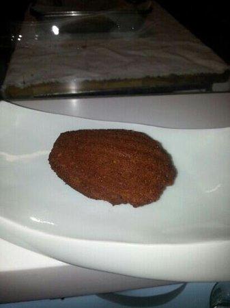 Le Miyabi : et 3 ème dessert madeleine au the vert hummm