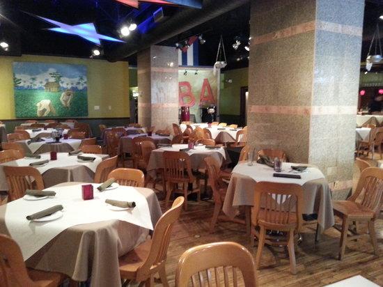 Vicente's Cuban Cuisine: Dining Room