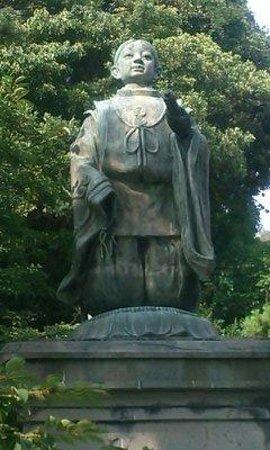 Tanjoji : 日蓮幼少の像