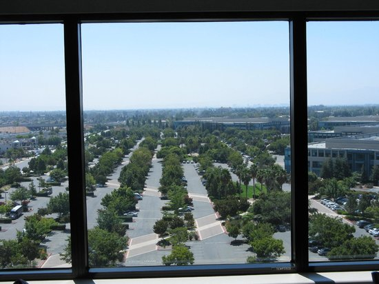 Crowne Plaza San Jose - Silicon Valley : View from bedroom window