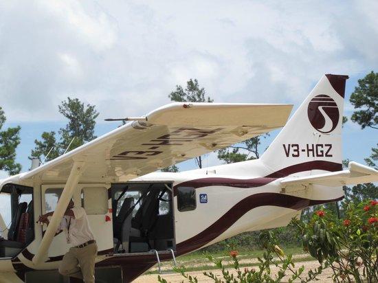 Blancaneaux Lodge: airplane