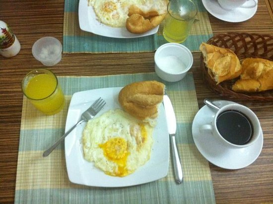 Giang Son Guesthouse: breakfast included!