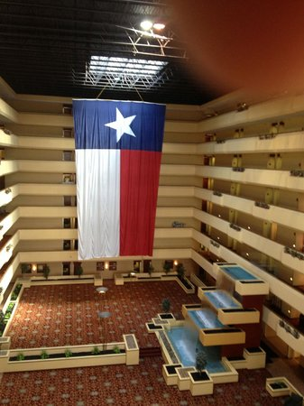 Holiday Inn Beaumont Plaza: Hotel lobby