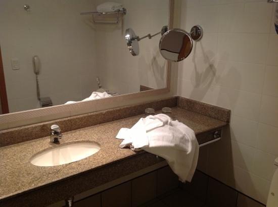Brasil 21 Suites: As toalhas usadas para matar a barata.
