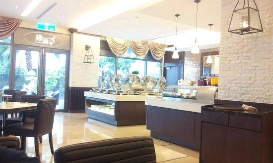 S-aura Hotel: 餐廳