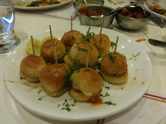 Samrat Veg Restaurant: The Mini Pav Bhaji @ Samrat