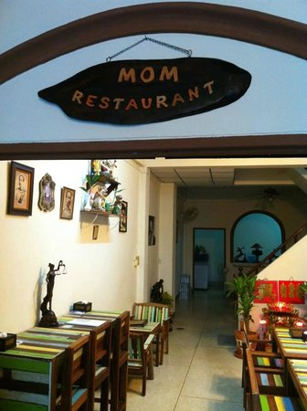 Mom Restaurant Bkk