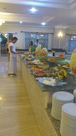 Sural Garden Hotel: Food
