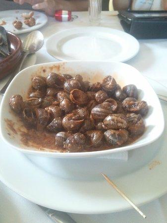 Moli de Xim: Los caracoles acompañados de una excelente salsa.
