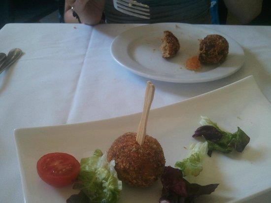 Moli de Xim: Las croquetas de cocido, gran sabor y bien provistas.