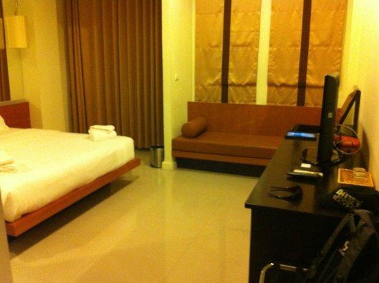 Me Hotel: Deluxe Room