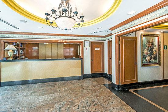 Hotel 81 - Orchid: Hotel lobby