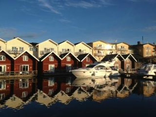 TanumStrand: Bild mot hotellet.