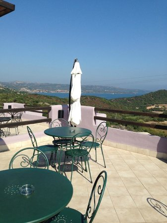 Hotel Li Graniti: terrazza panoramica
