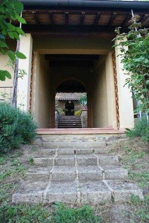 Hotel Villa San Giorgio: La dependance e, sullo sfondo, l'edificio principale