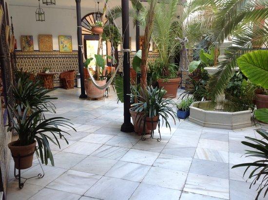 Casa de los azulejos - Patios interiores andaluces ...