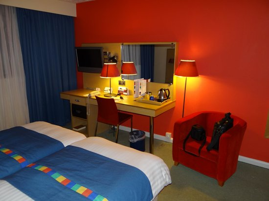 Park Inn by Radisson Cardiff City Centre: coin bureau