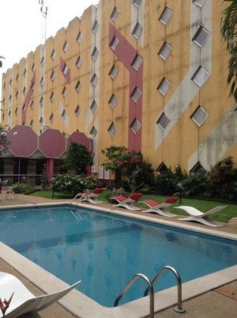 Ibis Abidjan Marcory : rear of hotel