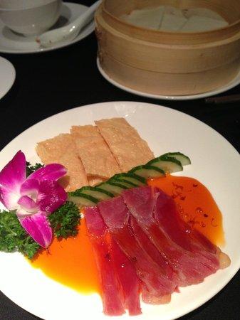 Shanghai Lo: braised ham with honey & buns~ <3