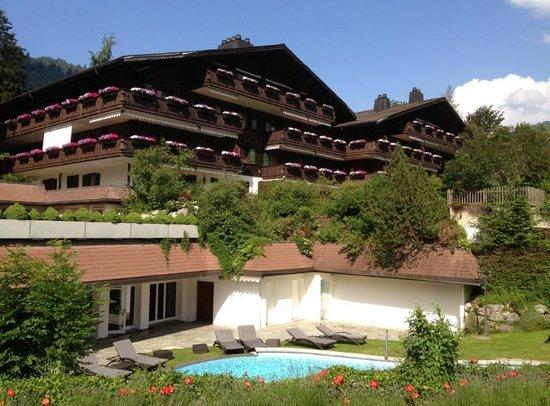 Park Gstaad: wood-built