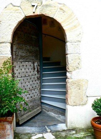 Maison Zazpian : Porte d'entrée de la maison