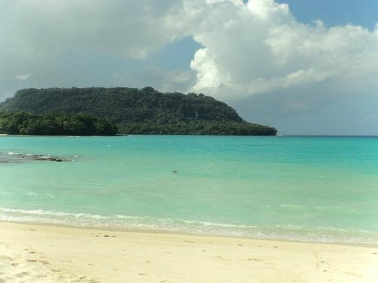 Aore Island Resort: Another shot of Port Olry !  Perfect