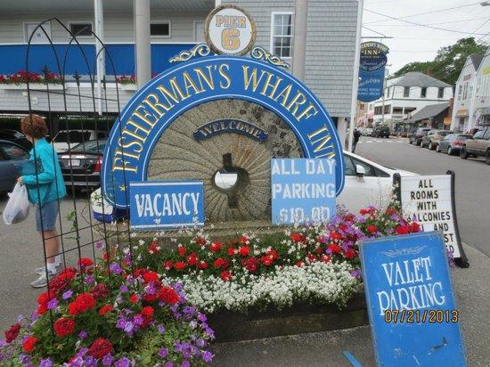 Boothbay Harbor Inn: sign