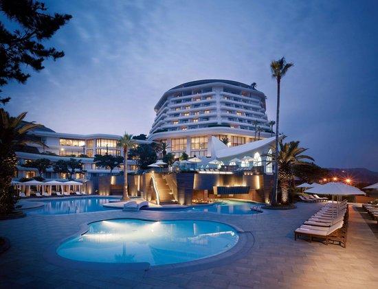 Hyatt Regency Jeju: 야외수영장 전경 2