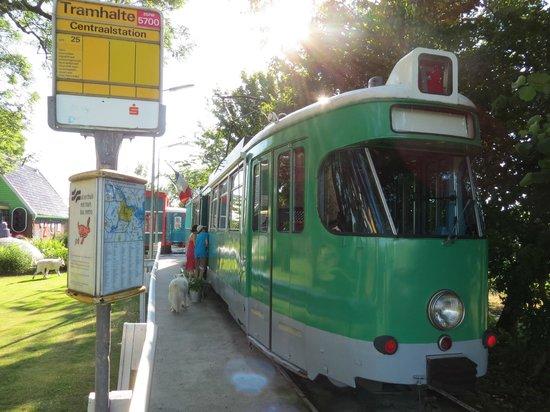 Controversy Tram Inn: Family Tram